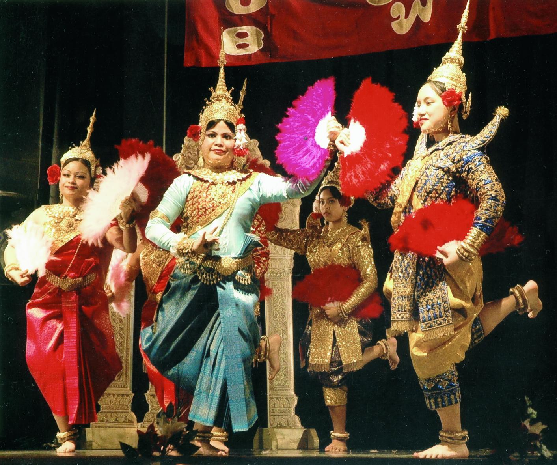 glef_cambodian-dance-troupe-oregon